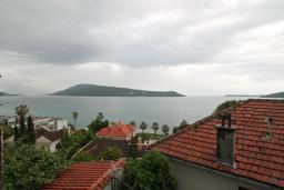 Вид на море. Черногория, Герцег-Нови : Студия в Савина с балконом с видом на море