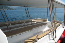 Прогулочный корабль VEGA для групп до 20 человек : Черногория