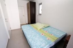 Студия (гостиная+кухня). Черногория, Игало : Студия с балконом в центре Игало