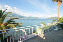 Seaview. Montenegro, Njivice : House with 3 bedrooms in Njivice for 6 guests